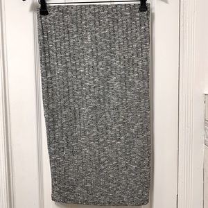 Gray fabric pencil skirt